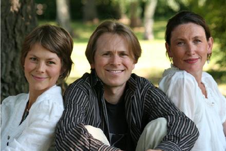 Trio Esmeralda